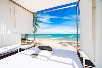 Bett im Strand