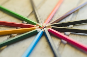 Bleistifte zusammengestapelt