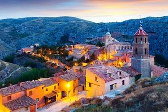 Blick auf Albarracin am Abend