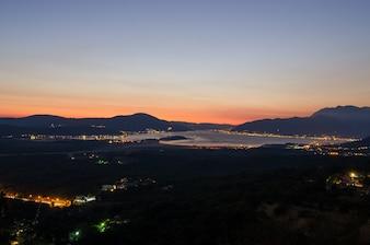 Boka Kotorska bei Nacht