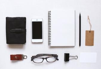 Briefpapier und Identität Mock up Set mit modernen Stil