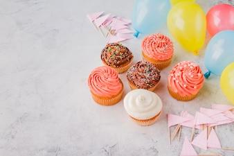 Cupcakes, Flaggen und Ballons