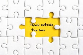 Denken Sie außerhalb der Box zitiert Business-Konzept