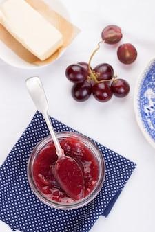 Draufsicht auf leckere Marmelade