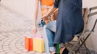 Einkaufskonzept mit Taschen