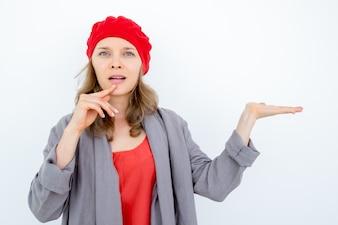 Erstaunliche französische Frau empfiehlt gut