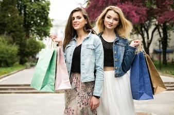 Freunde Freude zwei Outdoor-Freund Mall