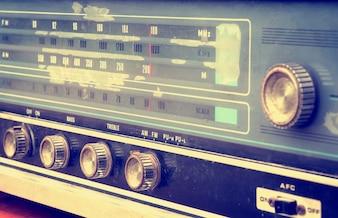 Frontansicht des Vintage-Radios, Retro-Technik