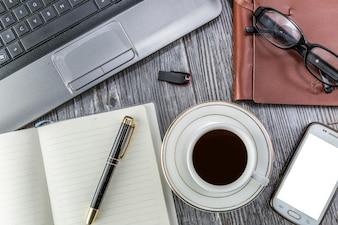 Geschäft senden elektronischen Geben Bildungs-Desktop
