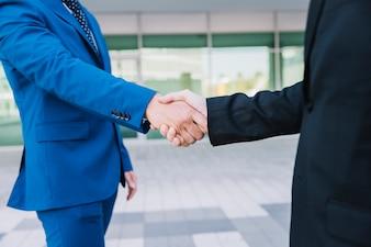 Händedruck und Deal-Konzept