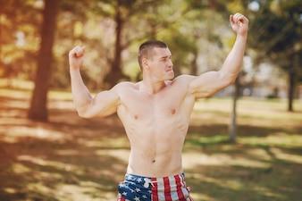 Hübscher athletischer Mann