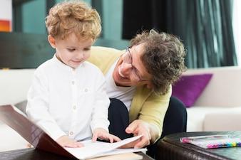 Junge Pflege junge Zärtlichkeit Gruppe