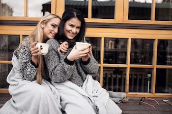 Kaffee fallen Lifestyle schöne Reise Frauen