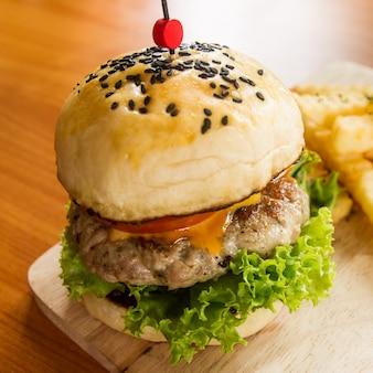 Käse-Sandwich Salat Rindfleisch Brötchen