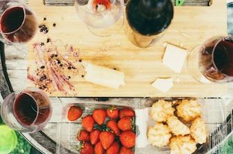 Käse und Wein Glas