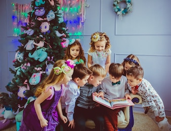 Kindheit Mädchen bunt fein zusammen