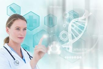 Konzentrierte Arzt mit einem virtuellen Bildschirm arbeiten