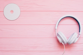 Kopfhörer und Festplatte