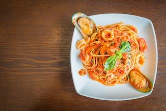 Lebensmittel Nahaufnahme Gericht rot Mittagessen