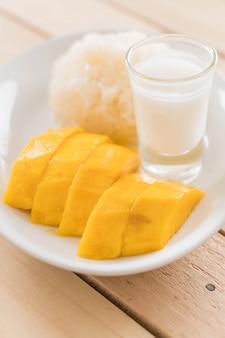 Mango mit klebrigem Reis