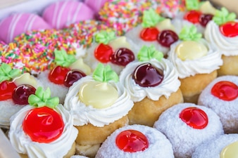 Mehrfarbige Donuts