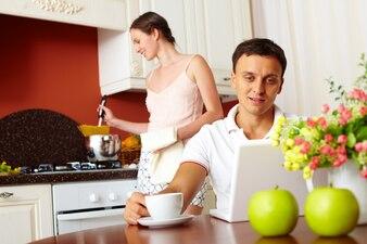 Mittagessen nach Hause Wireless-Technologie nutzen Abendessen