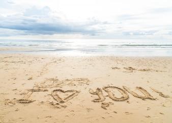Nachricht Ich liebe dich auf dem Sand
