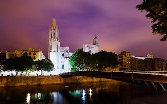 Nachtansicht von Girona - Kirche von Sant Feliu und Kathedrale