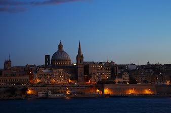 Nachtansicht von Valletta