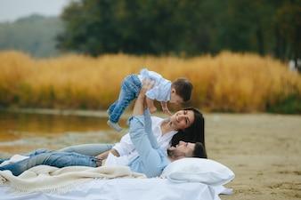 Paar Spaß mit Sohn