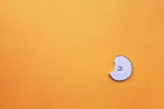 Plätzchen auf orange Hintergrund