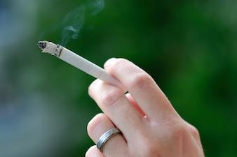 """""""Hand des Rauchens"""""""