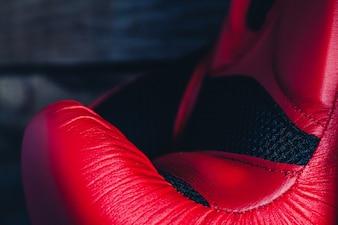 Red Boxhandschuh schließen