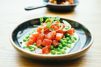 Rohes und frisches Thunfisch-Tartare