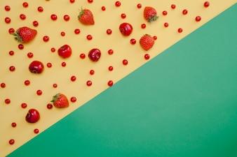 Rote Früchte Zusammensetzung mit Kopie Raum