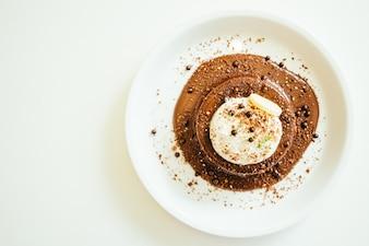 Schokoladenkuchen und Pudding