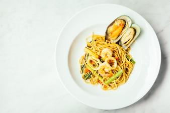 Spaghetti und Pasta würzige Meeresfrüchte