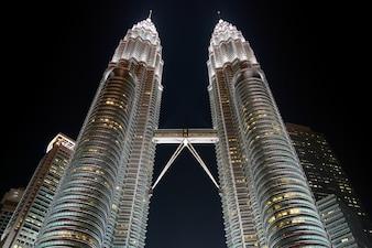 Städtischen Hoch klcc Malaysia Himmel