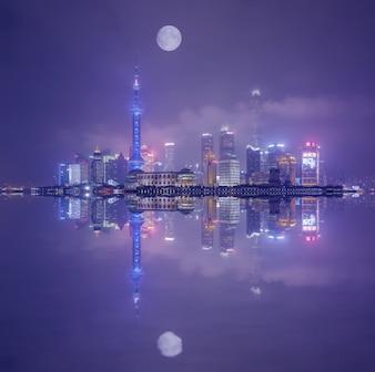 Straße schöne gelb berühmten Zentrum Shanghai