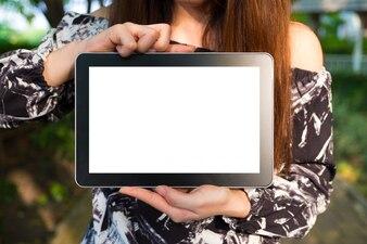 Tablet-Bildschirm mit Frau