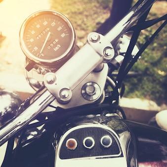 Tachometer (Gauge) des klassischen Motorrads - Vintage Farbeffekt