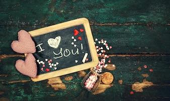Tafel mit einer romantischen Nachricht