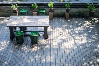 Zen garten 2 download der kostenlosen fotos - Holztisch terrasse ...