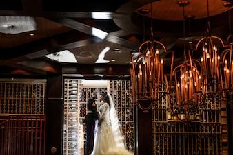 Tradition Verlobter charmantes Paar Bräute
