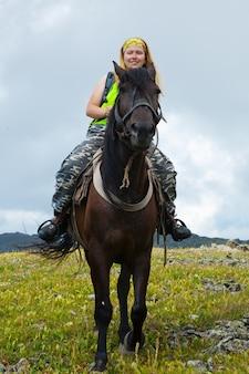 Weiblicher Reiter