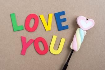 Worte lieben dich mit valentine Süßigkeiten