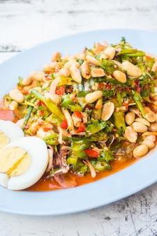 Würziger geflügelter Bohnensalat