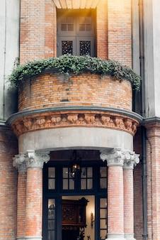 Ziegelmauer der Vintage Architektur
