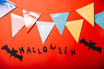 Zusammensetzung der Fahnen und Wort Halloween