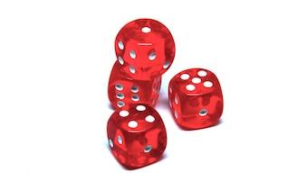 4個の赤いダイス